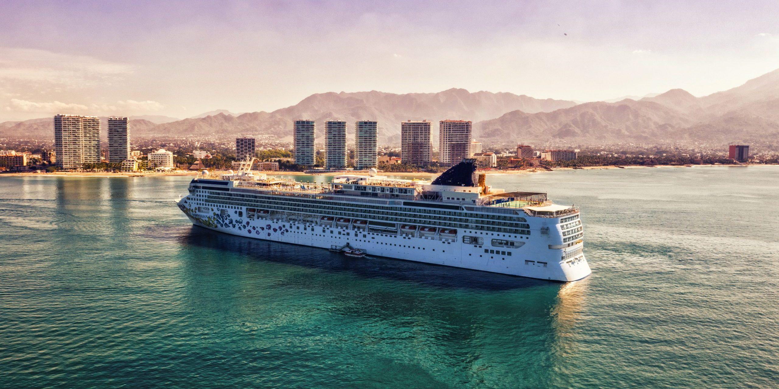 Cruise line banner